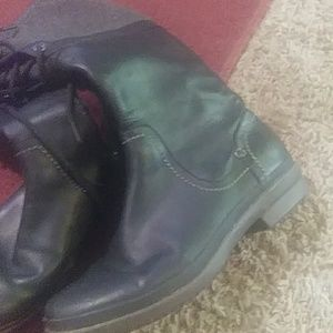 UGG Shoes - Black leather uggs worn 2 times